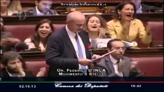 Federico D'incà legge alla Camera il messaggio di Salvo a Letta!