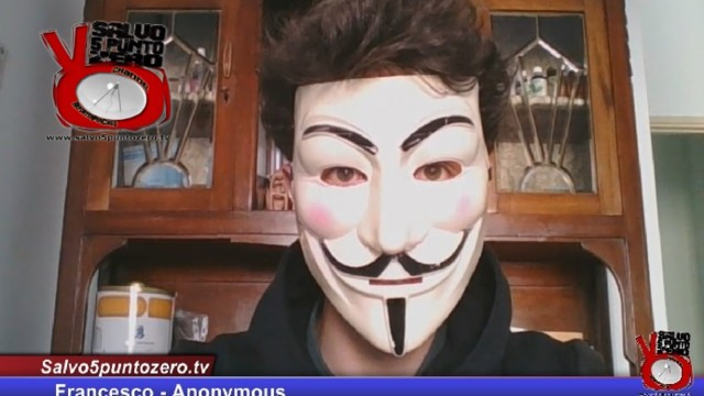 Entriamo nel mondo di ANONYMOUS. Intervista con 'Francesco'. 21/01/2016.
