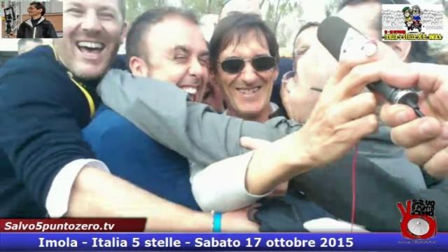 Abbraccio collettivo con fratelli siciliani (Filippo D'Amico, Maria Marzana ed altri) e un infiltrato lombardo(Massimo De Rosa) #imola #italia5stelle.17/10/2015